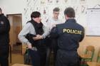 Policejní zásahová jednotka na gymnáziu 2016
